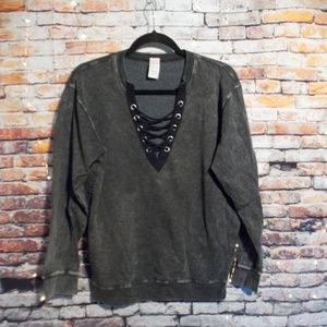 Tops - Grey sweatshirt with lace-up front
